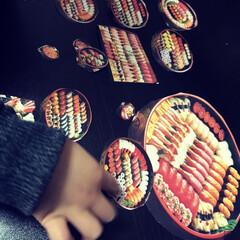 子供/お寿司さんごっこ/お寿司/チラシ/フォロー大歓迎 お寿司屋さんのチラシを使って次男と遊んだ…