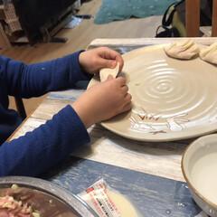 餃子/ギョーザ/手作りギョーザ/手作り/夕飯 今日は久しぶりに手作りギョーザ🥟5歳の息…