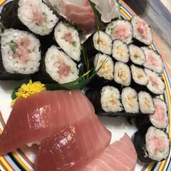 寿司/誕生日会/お寿司/ロピア/おうちごはん 今日は色々忙しく、夕飯も作る時間があまり…