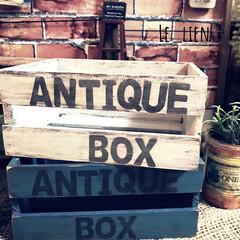 木箱リメイク/木箱/リメイク/リメイク雑貨/100均/ダイソー/... DAISOの木箱のリメイクです。ペイント…(1枚目)
