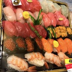 グルメ/お寿司/大晦日/ロピア/フォロー大歓迎 今年最後の夜ご飯もロピアで購入!ロピアの…