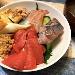 ロピア/夜ご飯/夕飯/海鮮丼/ひな祭り 今日は雛祭り🎎ちらし寿司にしたかったけど…