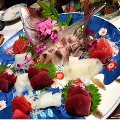 刺身/お造り/鯛/フォロー大歓迎/おうちごはんクラブ こちらも父のお料理!鯛のお造りです。子供…(1枚目)