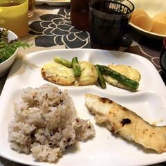 ベビースターラーメン/ムニエル/白身魚/LIMIAごはんクラブ/わたしのごはん/フード 昨日の夜ご飯。あまり見た目が美しくない、…