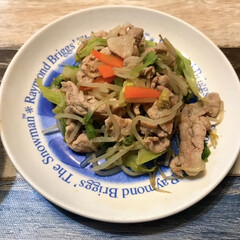 肉野菜炒め/ロピア/豚肉/赤身肉/お買い得/夜ご飯 先程の赤身の豚肉は豚汁と肉野菜炒めにしま…(1枚目)