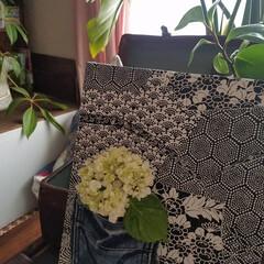 着物/アップサイクル/デニム/ファブリックパネル/花器/壁面装飾/... 頂きものの着物とデニムでファブリックパネ…