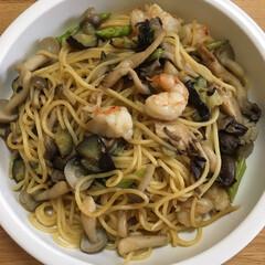 スパゲティ/お昼ご飯 今日のお昼ご飯、エビとキノコの和風スパゲ…