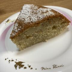 バナナホットケーキミックス/炊飯器ケーキ 昨日の炊飯器ケーキを切ってみました。 普…