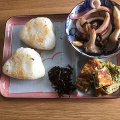 焼きおにぎり/朝食 今朝の朝食です。 焼きおにぎり作りました…
