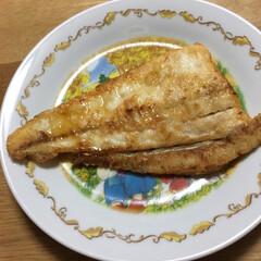 料理 いただいたヒラメを焼きました。海で釣って…