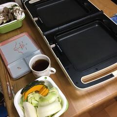 ホットプレート/焼肉/晩ご飯 今日の晩ご飯は我が家で焼肉 最初の写真に…