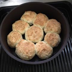 食事情 ホットケーキミックスを使って作ったパンも…(1枚目)