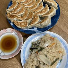餃子/晩ご飯 昨日の晩ご飯は餃子🥟 結構美味しくできま…(2枚目)