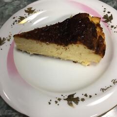 チーズケーキ 今流行りのバスクふうチーズケーキを作って…