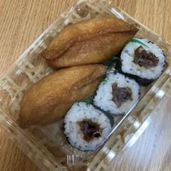 天ぷらうどん/いなり寿司/お気に入り 昨日の晩ご飯、簡単に済ませたかったので、…