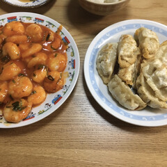 餃子/中華料理/晩ご飯/スタミナ丼/夏に向けて/スタミナご飯/... 晩ご飯 中華 餃子🥟は揚げ餃子です。