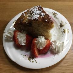 手作りケーキ/ピンク この前作ったバナナチョコケーキを少しだけ…(2枚目)