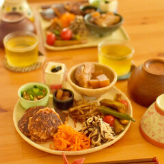 おうちランチ/昼ごはん/ごはん/カフェめし風/野菜のおかず/お野菜たっぷり/... ある日のワンプレートごはん 。  イカ団…(1枚目)