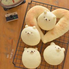 しろくま/パン作り/キャラパン/手作りパン/おうちカフェ/LIMIAごはんクラブ/... バレンタインに作ったしろくまパン。 パン…(1枚目)