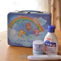 くま好き/缶/ケアベア/救急箱/はじめてフォト投稿/雑貨/... 結婚当時から使っている 我が家の救急箱。…