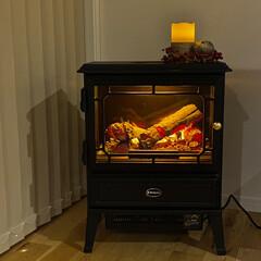 焚き火/アウトドア好き/癒しグッズ/ヒーター/暖房器具/山小屋風/...  リビングに憧れの暖炉を置きましたʕ•ᴥ…(2枚目)