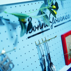 ペグボード/壁掛け収納/ペイント/DIY/収納 小物を引っ掛けて整理できちゃうペグボード…