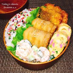 鯖/魚料理/肉巻き/ボリューム満点/愛妻弁当/曲げわっぱ弁当/... ボリューム満点弁当‼️  鯖のカレー風味…
