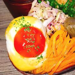 お昼ごはん/デコ弁/弁当/ボリューム満点/夫弁当/旦那弁当/... もりもり鮭弁当だーい𓆛𓆜  ◾ご飯on鮭…(2枚目)