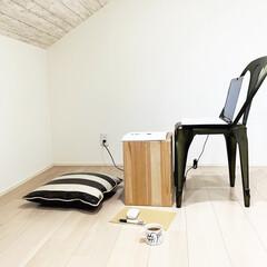 片付け/オンライン/Zoom/屋根裏部屋/小屋裏収納/無印収納/... 外出自粛中のZOOM使用のために、 小屋…