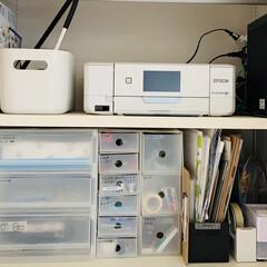シンプル収納/家づくり計画/コンセントの位置/収納計画/注文住宅/収納アイデア/... ダイニングの側の戸棚には、 文房具やパソ…