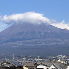 雪化粧/富士山麓/富士山 今日の富士山🗻  昨日とあまり変化してい…