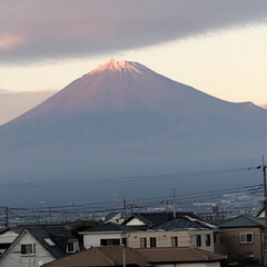 富士山麓/富士山 夕方時の富士山🗻  明日は雨☔️予報なん…