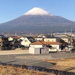 女富士/雪化粧/富士山麓/富士山 今日の富士山🗻  今日、『富士山女子駅伝…