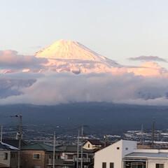 赤富士/富士山 今日は赤富士🗻が凄く綺麗でした🥰 写真で…