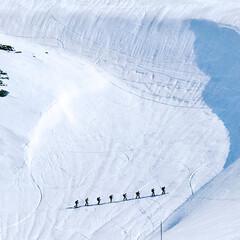 山岳スキー/雪山/スキーヤー/立山/富山/令和元年フォト投稿キャンペーン/... 立山の室堂で、山岳スキーを楽しむために、…