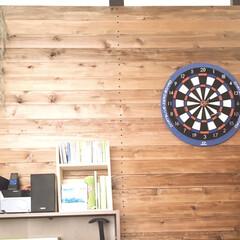 男前/男子部屋/木の壁/2×4アジャスター/ツーバイフォー/DCM/... 息子部屋の壁です。  ダーツを設置したい…