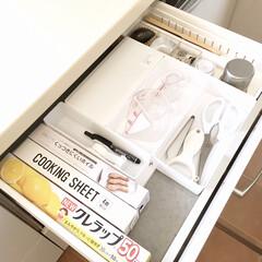 NEWクレラップ レギュラー 50m 30cm×50m(その他調理用具)を使ったクチコミ「わが家のラップ収納です。 浅い引き出しに…」
