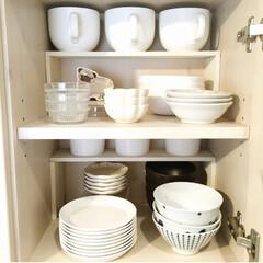 プチDIY/カップボード収納/食器棚収納/フォローありがとうございます/収納/キッチン収納/... 食器棚の中身をちょっと使いやすくするアイ…
