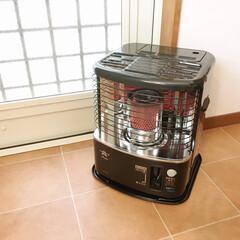 アラジン 石油ストーブ AKP-S248   アラジン(その他ストーブ)を使ったクチコミ「冬のキッチンには石油ストーブを置いていま…」