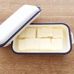 ☆ ☆ よつ葉乳業 加塩バター150g×20個(有塩バター)を使ったクチコミ「なかなか気に入ったバターケースに出逢えず…」(1枚目)