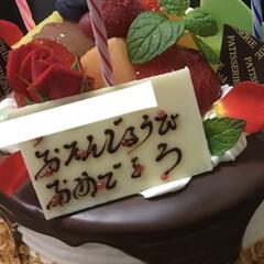 リミアの冬暮らし 誕生日🎂 お友達がケーキ持ってきてくれた…