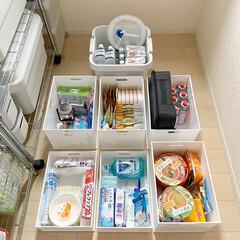 Iwatani カセットコンロ カセットフー エコプレミアム CB-ECO-PRW イワタニ 岩谷 | カセットフー(カセットコンロ)を使ったクチコミ「2階の納戸にはスチールラックを設置して、…」