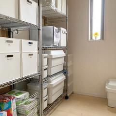 Iwatani カセットコンロ カセットフー エコプレミアム CB-ECO-PRW イワタニ 岩谷 | カセットフー(カセットコンロ)を使ったクチコミ「2階の納戸にはスチールラックを設置して、…」(3枚目)
