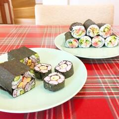 今日のごはん/寿司/夜ごはん/夜ご飯/飾り寿司/わたしのごはん ちょっと失敗してしまった飾り寿司😅