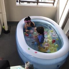 ベランダ遊び あまりの暑さにプールを購入したら週末は友…
