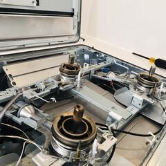 ガスコンロ周り/キッチン掃除/掃除/ガスコンロ/簡単 知ってますか…ガスコンロのフレームって開…
