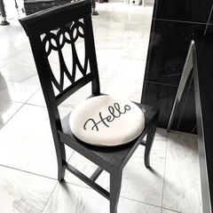 モノトーングッズ/モノトーン雑貨/モノトーン/シンプル/椅子/クッション/... ニトリ購入品  丁度いい厚みのチェアパッ…