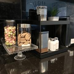 カップボード/ディスプレイ/カフェ風/ケーキスタンド/ケーキ/ダルトン/... 焼き菓子を手作りした時 ガラススタンドに…
