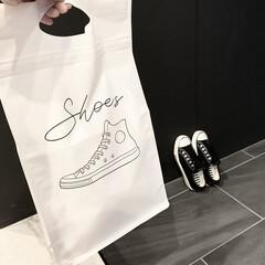 便利グッズ/便利/持ち運び/収納ケース/モノトーン好き/モノトーングッズ/... 「靴を保管できるおしゃれな袋はないかなぁ…