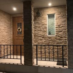手ぬぐいタペストリー/季節を感じる暮らし/小窓/玄関 我が家の玄関アプローチ。 fix小窓には…